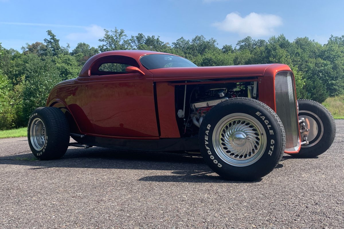 1932 Ford Roader, Zipper body, powered by a Ford 351w crate engine. It has a Ford AOD transmission, four wheel disc brakes, independent front and rear suspension, and a Post trac rear end.